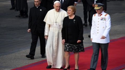 Papa Francisco se encontra com a presidente, Michelle Bachelet, no Chile
