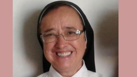 Irmã Maria Inês saúda a todos/as que participam da 25ª AGE